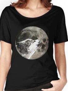 Wolf howling at the moon Women's Relaxed Fit T-Shirt