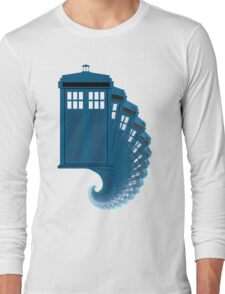 Tardis moving through time Long Sleeve T-Shirt