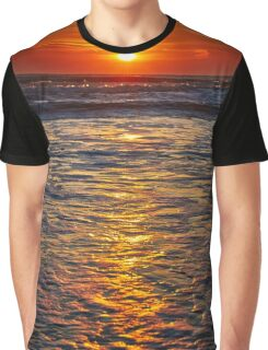Colorful sunrise over the sea Graphic T-Shirt