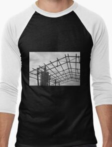 Rusted Industrial Tank and Metal Frame b&w Men's Baseball ¾ T-Shirt