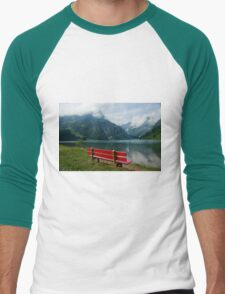 Red bench with a view Men's Baseball ¾ T-Shirt