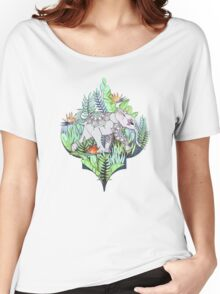 Little Elephant on a Jungle Adventure – faded vintage version Women's Relaxed Fit T-Shirt