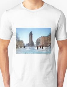 Colorized 1906 photograph of the Flatiron building in NY Unisex T-Shirt
