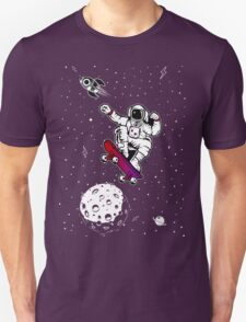 space astronaut skateboard T-Shirt