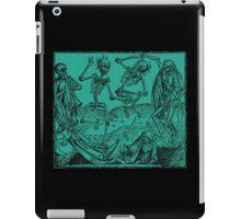 Totentanz / Dance of macabre - green iPad Case/Skin