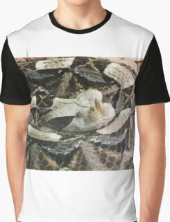 SNAKE Graphic T-Shirt