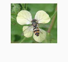 Bitty Bee? Unisex T-Shirt