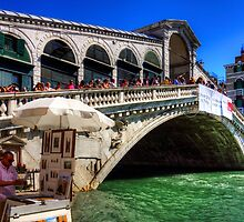 Rialto Bridge by Tom Gomez