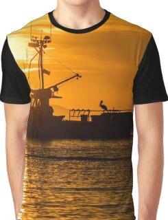 Fishing boat leaving Santa Barbara harbour at dawn. Graphic T-Shirt