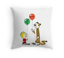 calvin and hobbes ballon Throw Pillow