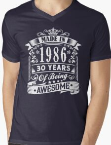 MADE IN 1986 Mens V-Neck T-Shirt