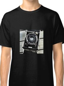 Old vintage german camera Classic T-Shirt