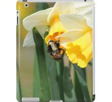 Bumblebee on Daffodils iPad Case/Skin