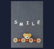 "Mr Bear says, ""Smile"". Kids Tee"