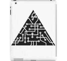 triangular shape microchip technology cool design pattern black iPad Case/Skin