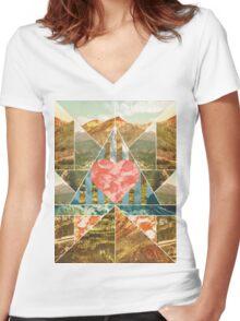 Heart Travel Women's Fitted V-Neck T-Shirt