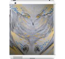 owl on the hunt iPad Case/Skin