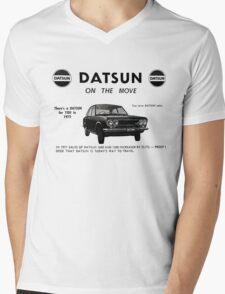 Datsun on the Move 1600 P510 Mens V-Neck T-Shirt