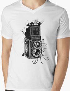 Retro Rolleiflex - Evolution of Photography - Vintage Mens V-Neck T-Shirt