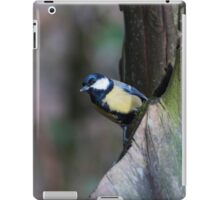 Great Tit bird sitting in a tree iPad Case/Skin