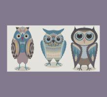 THREE FANCY OWLS Kids Tee