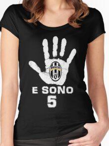 Juventus, e sono 5 scudetti consecutivi (su nero) Women's Fitted Scoop T-Shirt