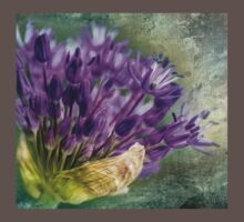 Allium Blossoms One Piece - Short Sleeve