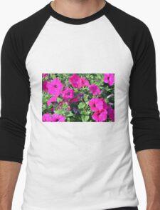 Beautiful spring purple flowers in the park. Men's Baseball ¾ T-Shirt