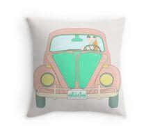driving maggiolino Throw Pillow