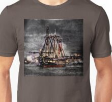 World's oldest commissioned warship afloat - USS CONSTITUTION Unisex T-Shirt