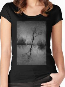 2 trees Women's Fitted Scoop T-Shirt