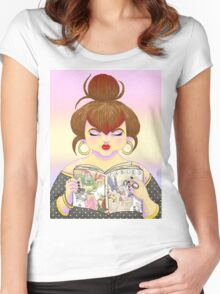 Girls read comics too! Fables Women's Fitted Scoop T-Shirt