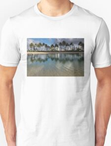 Palm Trees, Crystal Clear Lagoon Water and Tropical Fish Unisex T-Shirt