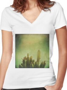 Cactus in my mind Women's Fitted V-Neck T-Shirt