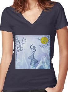 Dancing in the moonlight Women's Fitted V-Neck T-Shirt