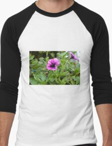 Beautiful purple flowers in the garden. Natural background. Men's Baseball ¾ T-Shirt