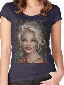 Queen Of Glamour Women's Fitted Scoop T-Shirt