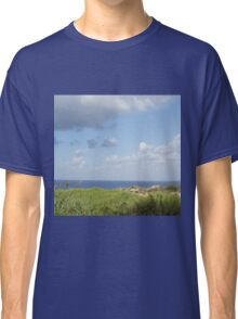 Grass and sea Classic T-Shirt