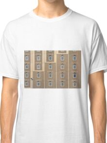 Building facade with many windows and Muslim decoration. Classic T-Shirt