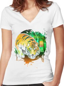 Tiger Pounce  Grunge Women's Fitted V-Neck T-Shirt