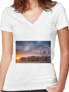 Blackpool Central Pier Women's Fitted V-Neck T-Shirt