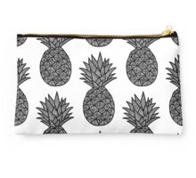 MINIMAL - PINEAPPLE Studio Pouch