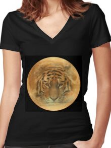 The Tiger in the Moon Women's Fitted V-Neck T-Shirt