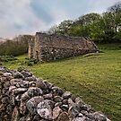 Old Barns - Snowdonia by eddiej