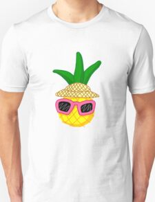 Pineapple on vacation! T-Shirt