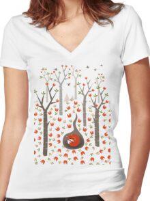 Sleeping Fox Women's Fitted V-Neck T-Shirt