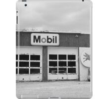 Route 66 - Rusty Mobil Station iPad Case/Skin