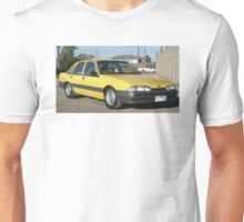 BT1 VL COMMODORE Unisex T-Shirt