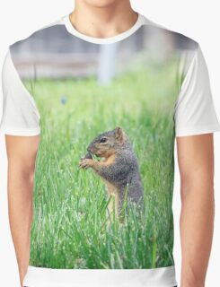 Squirrel sitting up in tall grass Graphic T-Shirt