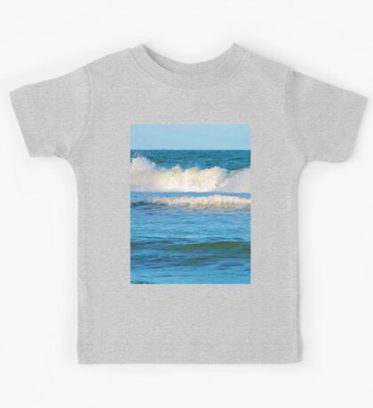 Abstract vibrant splashing waves Kids Tee